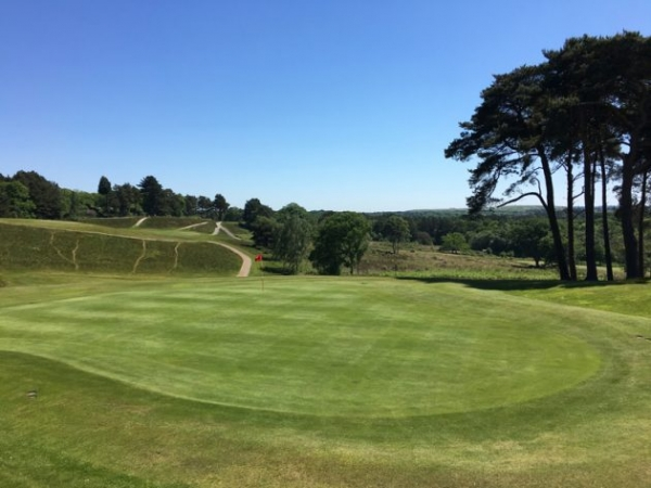 Southern Belles – Glorious golf in Bournemouth