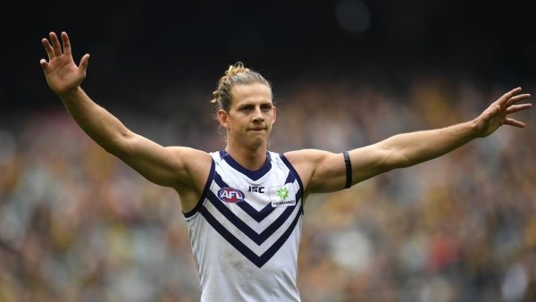 Fyfe signs six-year deal with Dockers