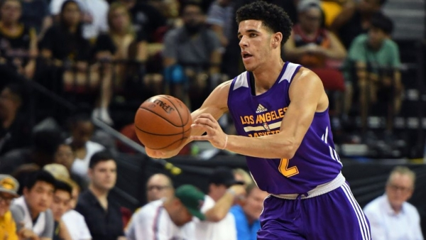 """Lonzo Ball leaves Summer League game with """"calf tightness,"""" does not return"""