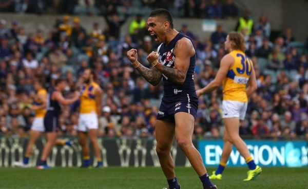 Poor goal kicking is contagious, says Freo star Michael Walters