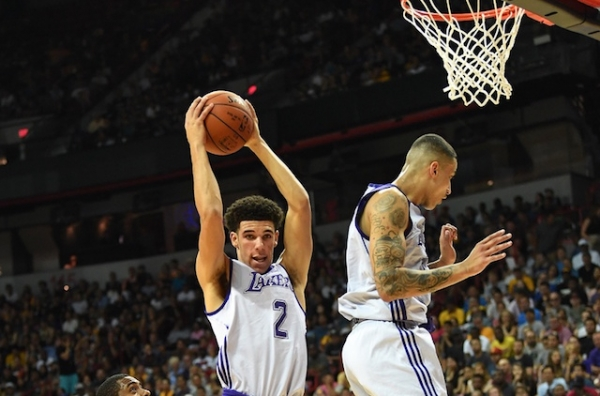 Lakers Podcast: Lonzo Ball & Kyle Kuzma Dominate, Why Kentavious Caldwell-Pope Is A Perfect Fit