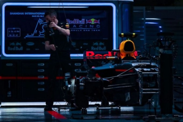 McLaren agrees to Renault deal; Honda to Toro Rosso; Porsche to buy Red Bull?