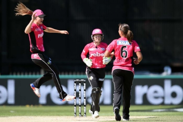Sixers sign star WBBL trio Perry, Healy and Gardner on long-term deals
