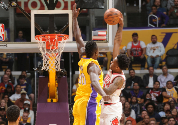 Antonio Blakeney Dunks On Julius Randle, Gets T'd Up