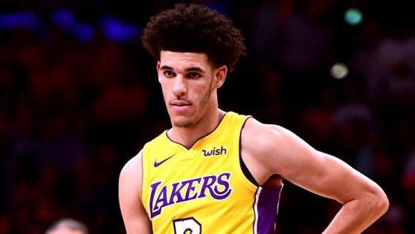 A couple of Lonzo Ball's triple-double assists look dubious (video)
