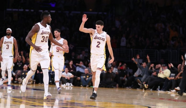 Ball conduce a los Lakers al triunfo ante Nuggets