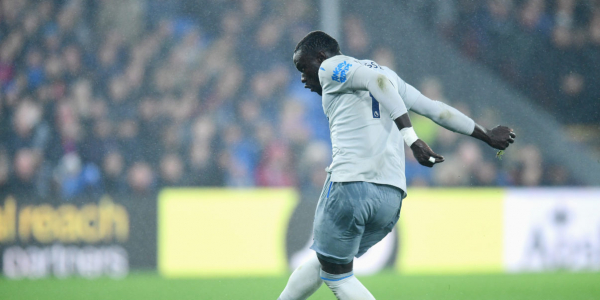 Everton striker refutes claims he dived against Crystal Palace