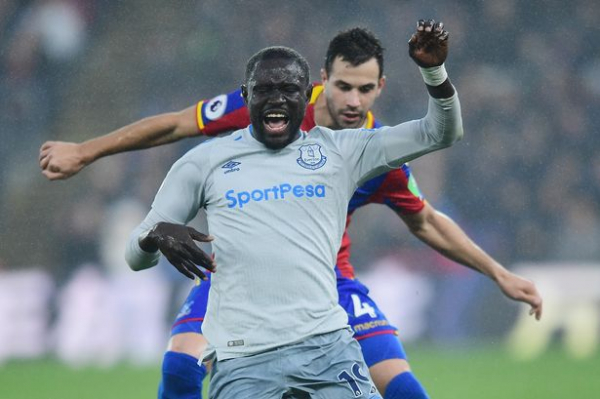 Everton striker Oumar Niasse given two game ban for diving to win penalty against Crystal Palace