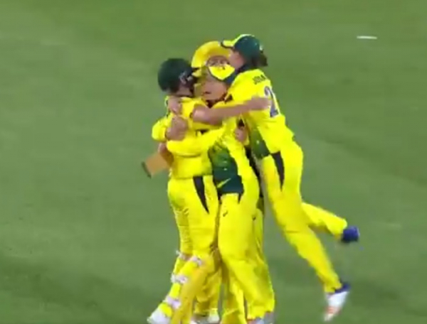 Australia win the bloody Ashes