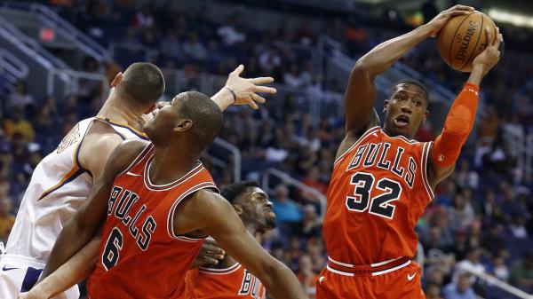 Bulls' Kris Dunn dunks on T.J. Warren after savvy/explosive halfcourt drive (video)