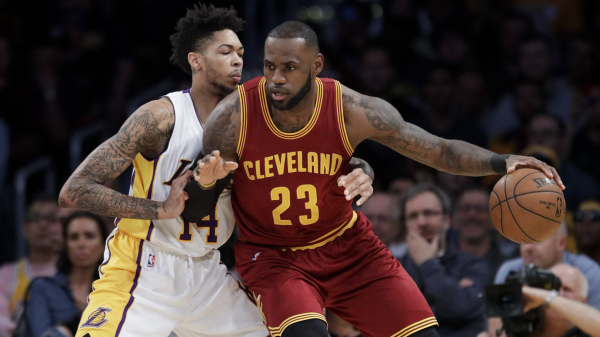 Report: Lakers 'longshot' to sign LeBron James