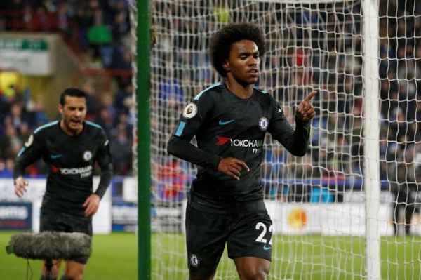 Manchester United make enquiry for Chelsea winger Willian? Friday's transfer news and gossip