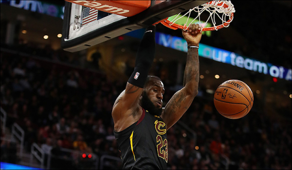 Cavs Crown Kings Late, Lock Up 13th Straight