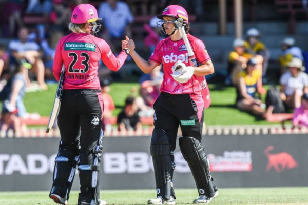 Sydney Sixers remain perfect with WBBL derby win