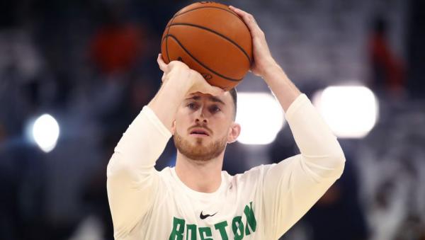 Celtics' Gordon Hayward says he's open to returning this season