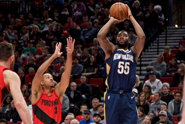 Pelicans' E'Twaun Moore is on fire when shooting three-pointers