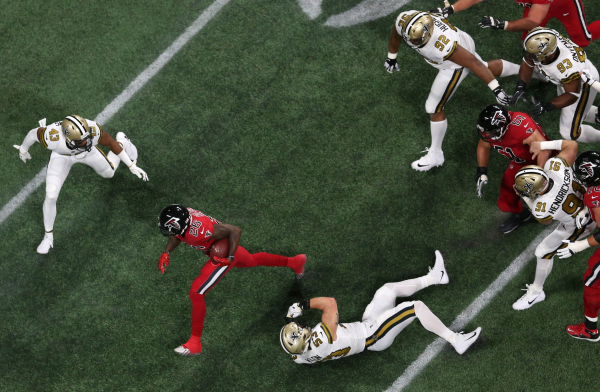 Saints Payton fuming over officiating in loss to Falcons