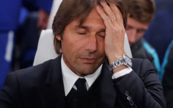 """He is a major hinderance"" – Chelsea supporters turn on manager Antonio Conte following Leicester stalemate"