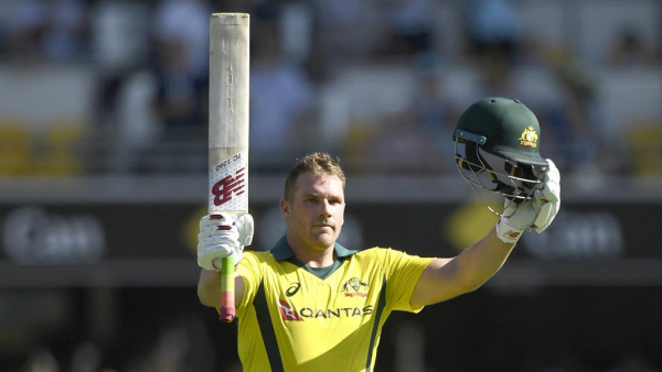 England hold Australia to 270 in Gabba ODI