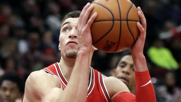 Zach LaVine scores 14 in return to Bulls' lineup