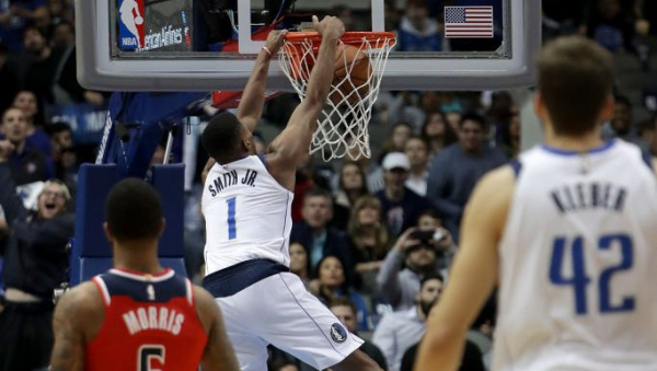 Mavericks rookie Dennis Smith Jr. throws down 360 dunk against Wizards (video)
