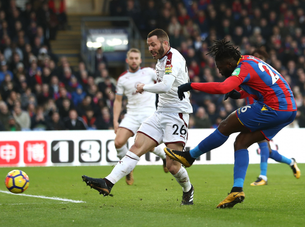 Crystal Palace hold on to beat Burnley and continue their revival under Roy Hodgson