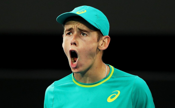 Australian Alex De Minaur loses Sydney International final but wins fans after gutsy display