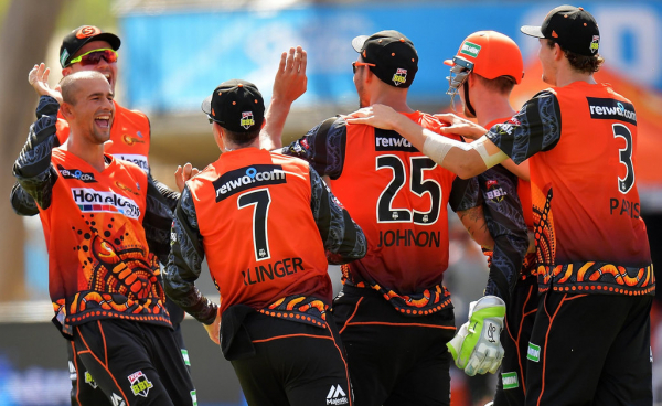 Big Bash League: Hits and misses as Perth Scorchers defeat Adelaide Strikers in Alice Springs