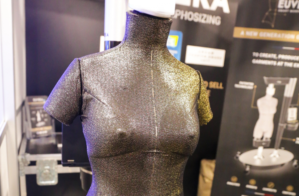Euveka's shape-shifting robotic mannequin could streamline the fashion and wearable industries