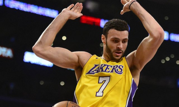 Larry Nance Jr. Provides Spark, Lakers Beat Spurs To Extend Winning Streak