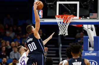 Magic fade in final minutes, fall at home to lowly Kings
