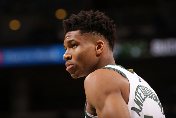 Giannis Antetokounmpo on Knee Injury: 'I Play Too Much'
