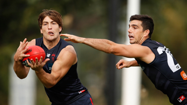 Boost for Dees with star mid set for round one