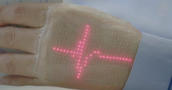 Researchers create an e-skin that shows your heartbeat in real-time