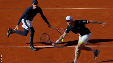 Davis Cup 2018: GB trail Spain 2-1 after Murray & Inglot lose doubles