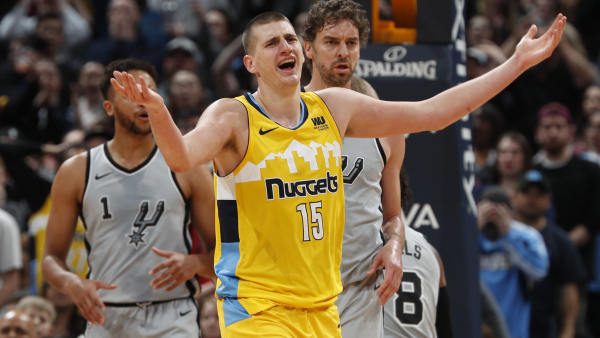 Nikola Jokic's third straight triple-double leads Nuggets over Spurs, 122-119