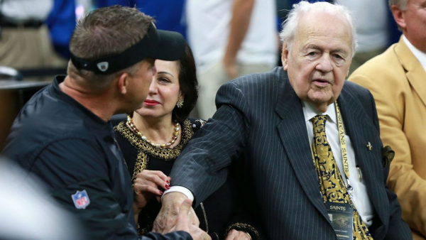 Pelicans owner Tom Benson hospitalized with flu symptoms