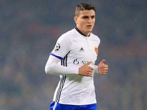 Leicester City want Mohamed Elyounoussi to replace Riyad Mahrez?