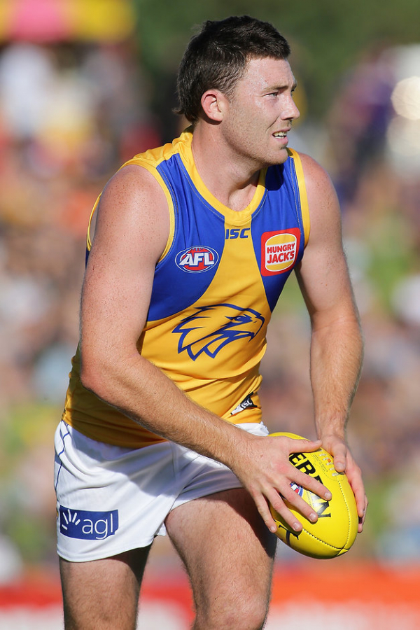 Eagles star keen to stay, but in no rush to sign
