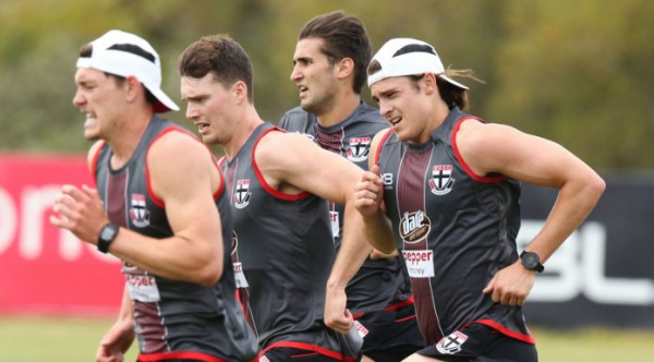 McLachlan keeps a close eye on St Kilda