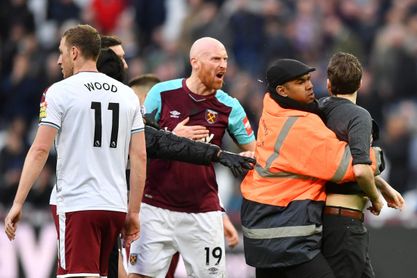 West Ham to issue life bans to fans who invaded London Stadium pitch or threw missiles during Burnley match