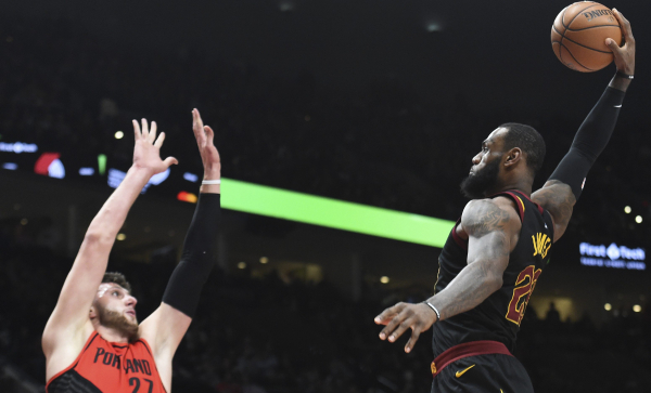 LeBron James put the dunk of the year down on Jusuf Nurkic (VIDEO)