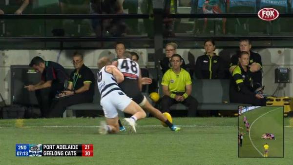 'He's let the game down': Former Carlton great Robert Walls slams Lindsay Thomas hit