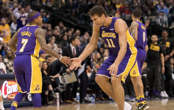 Lakers Rumors: One-Year Contracts With Isaiah Thomas, Brook Lopez Possible If Star Free Agents Aren't Signed