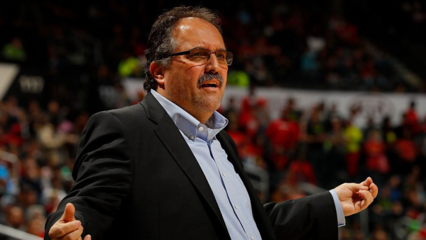 Report: Stan Van Gundy to meet with Pistons' owner next week