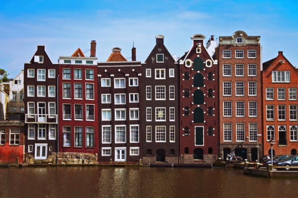 An Amsterdam house had so much MDMA discovered inside it's been locked down