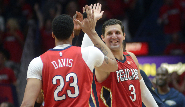 Pelicans move one game away from sweep after bashing Blazers in Game 3