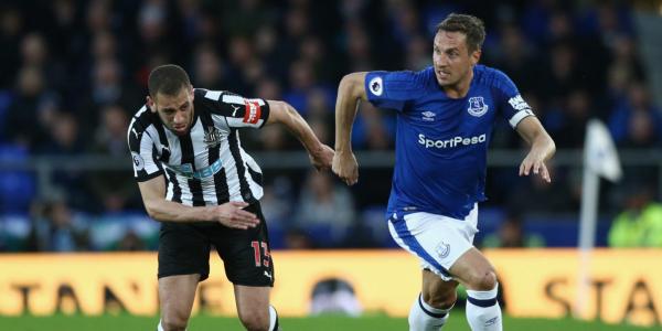 Benitez lauds Newcastle striker despite Everton loss
