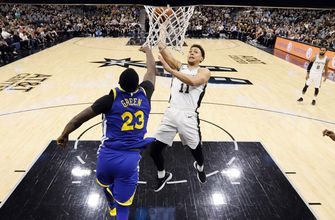Durant leads Warriors to 3-0 lead over mourning Spurs