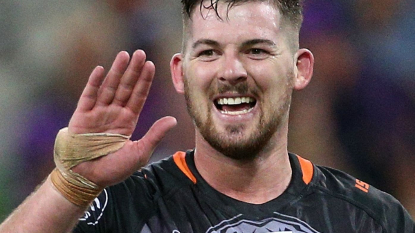 Wests Tigers forward Matt Eisenhuth signs new deal with the club